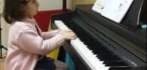 Piyano Kursu Öğrencilerimizin Piyano Sınıfında Çalışmasından Örnekler