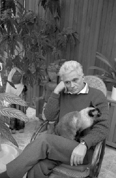 28 Jacques Derrida