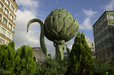 bayrampasa-enginar-heykeli