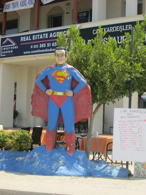 bodrum-superman-heykeli