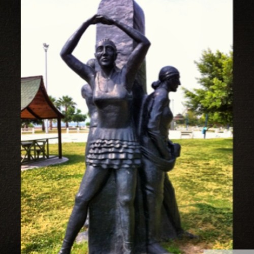 mersin-hareket-yapan-insan-heykeli